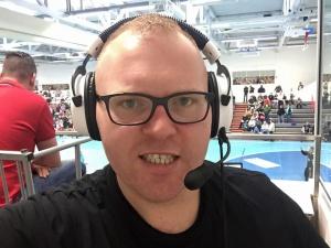 Christian Frost kommentiert live aus der Sporthalle an der Ulmenallee. Unterstützt von Felix Dötsch am Regieplatz und Lutz Altenberend an der Kamera.